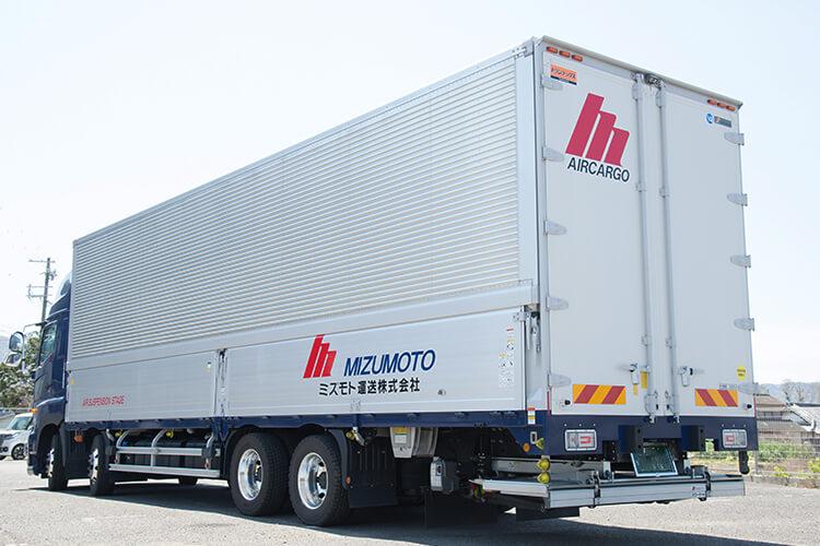 輸送トラックの画像